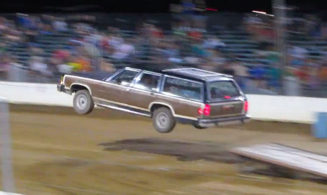 Classic YouTube: Clark Griswold Enters The Tuff Truck Competition