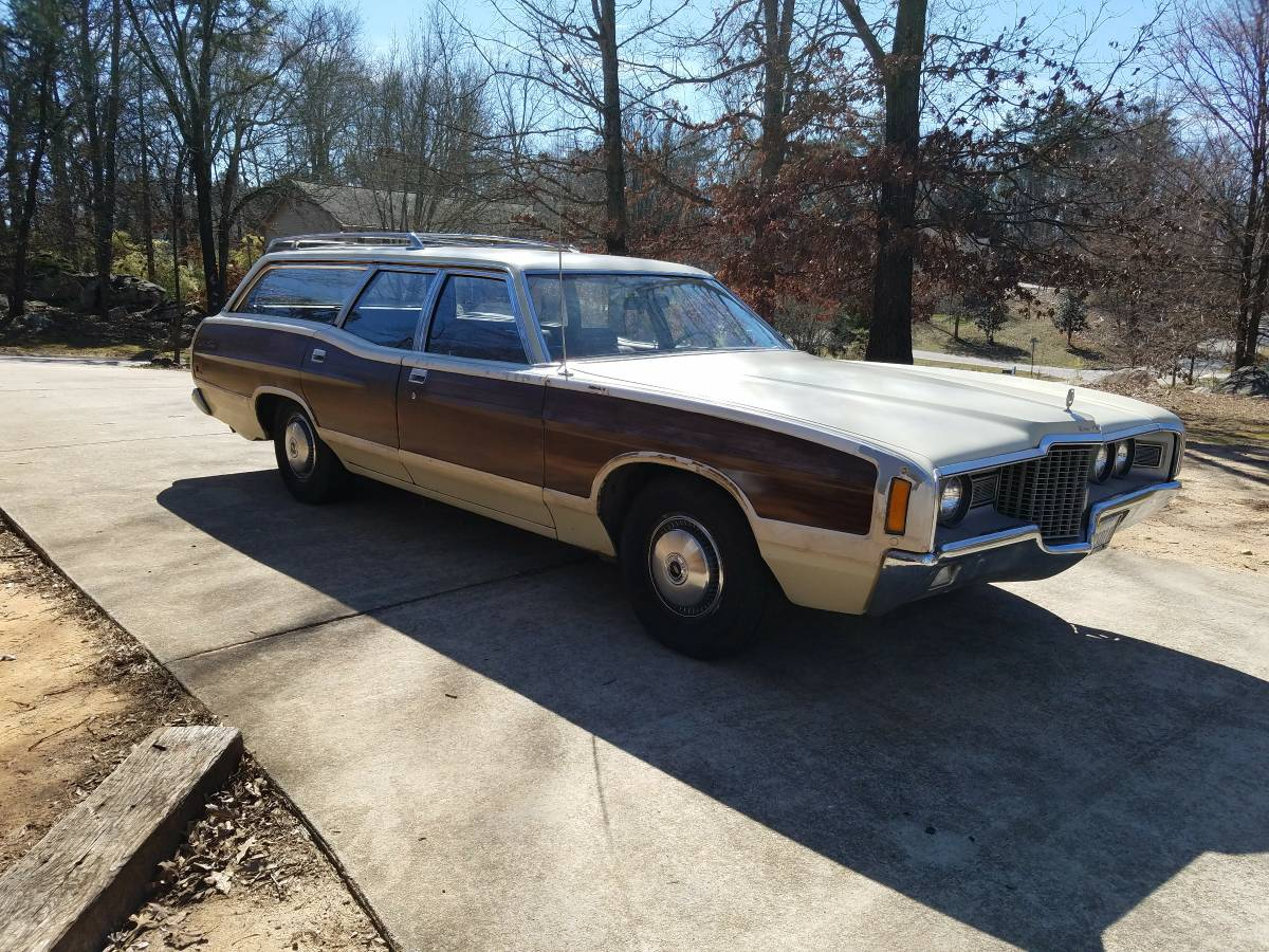 This 1971 Ford Country Squire Wagon Just Might Be The Family Truckster You Need!