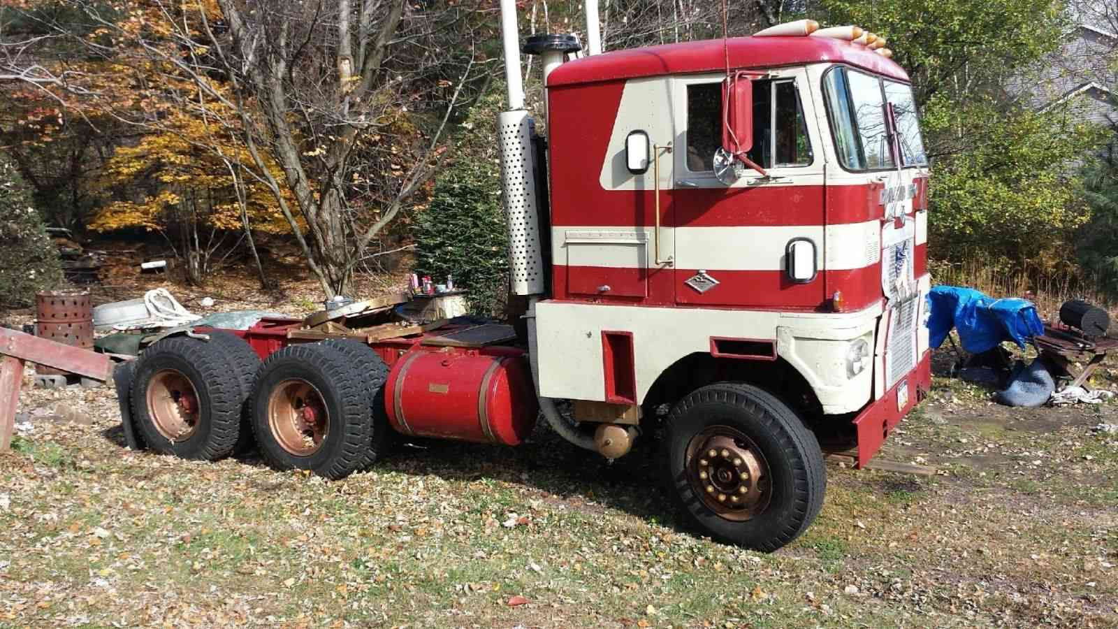 BangShift.com 1971 Diamond REO truck for sale with 318hp Detroit Diesel