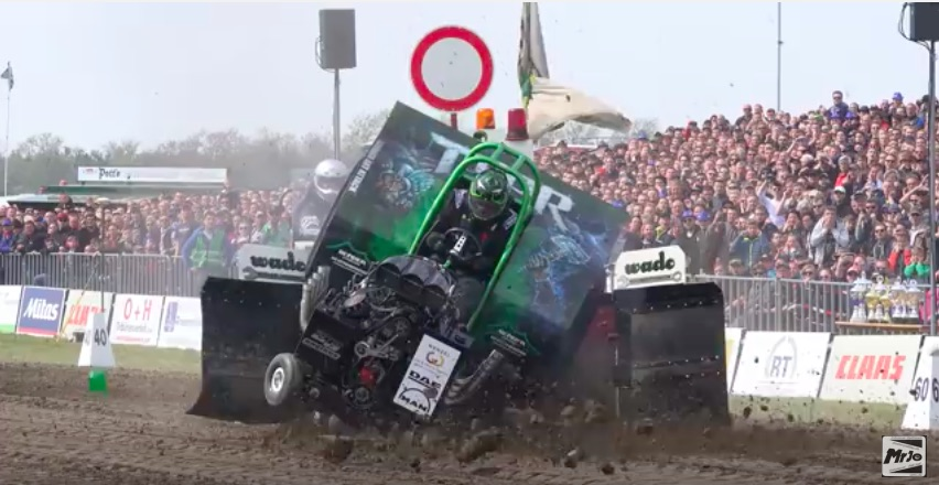 OUCH! Watch This Mini-Rod Tractor Get The Beans Above The Frank During A Pull