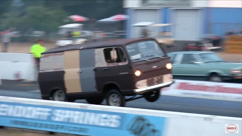 Watch This Awesome Old Chevrolet Sleeper Van Take On A Shelby GT500 – Does It Kill The Mustang?