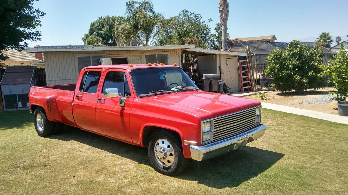 dually of the day this square body chevrolet dually could be the best one out. Black Bedroom Furniture Sets. Home Design Ideas