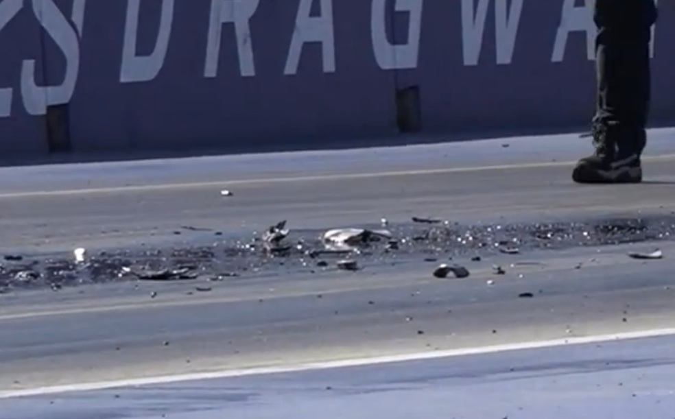 Watch This Aussie Valiant Explode A Transmission In As Grand A Fashion As You Will Ever See At The Drags