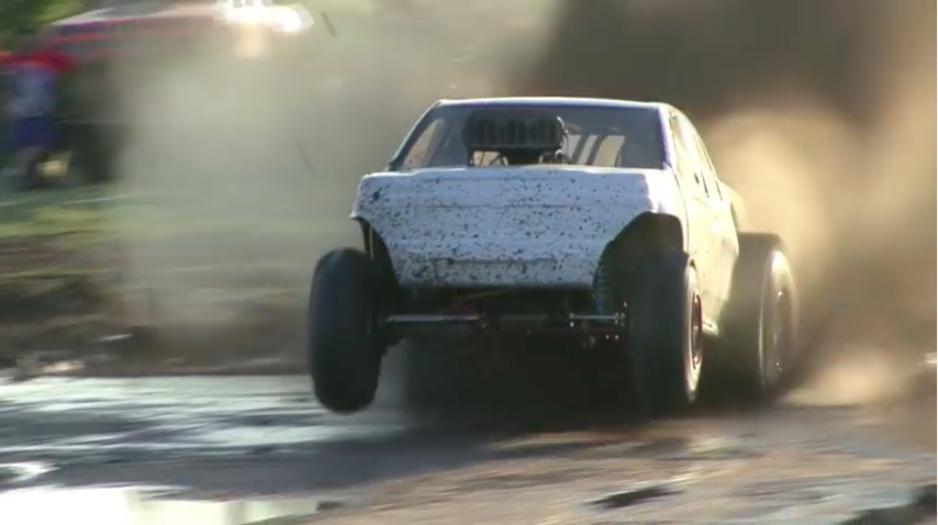 Video: Remember Kids, The Quickest Way Through A Mud Bog Pit Is Over It