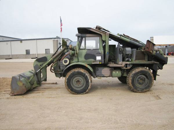 BangShift com FLU419 Small Emplacement Excavator Is Awesome