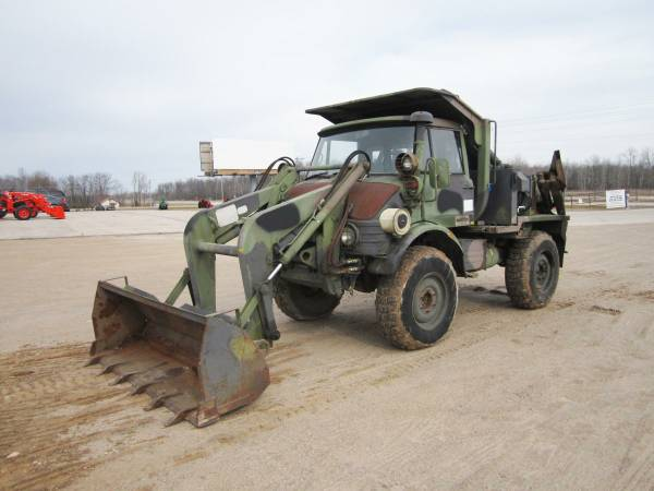 We Want It And We Want It Bad: This FLU419 Small Emplacement Excavator Is Awesome If Not Totally Practical