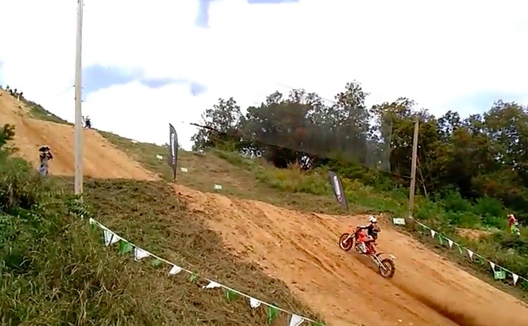 Nitro Video: Watch This Hillclimbing Triumph T140 Thunder Up A Stepped Slope