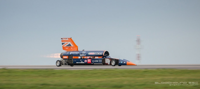 Bloodhound SSC Aims For 1000 mph And Makes First Test Hit Over 200 mph
