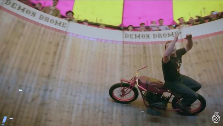 Watch This Family In England Perform On Their Wall Of Death – Old School Thrills