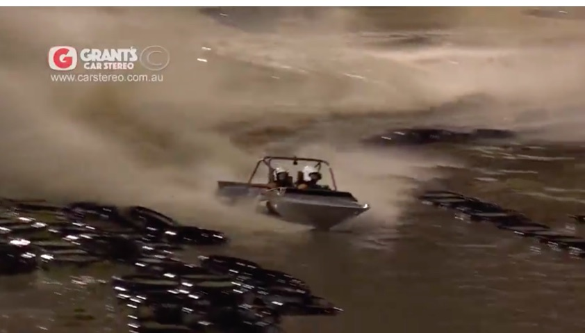 Awesome Video: Watch This Aussie Sprint Boat Called War Hammer Make A Perfect Full Bore Run!