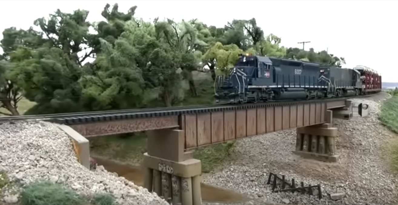 Incredible Video: Calling These Model Trains Is Like Calling The Eiffel Tower A Pile Of Metal