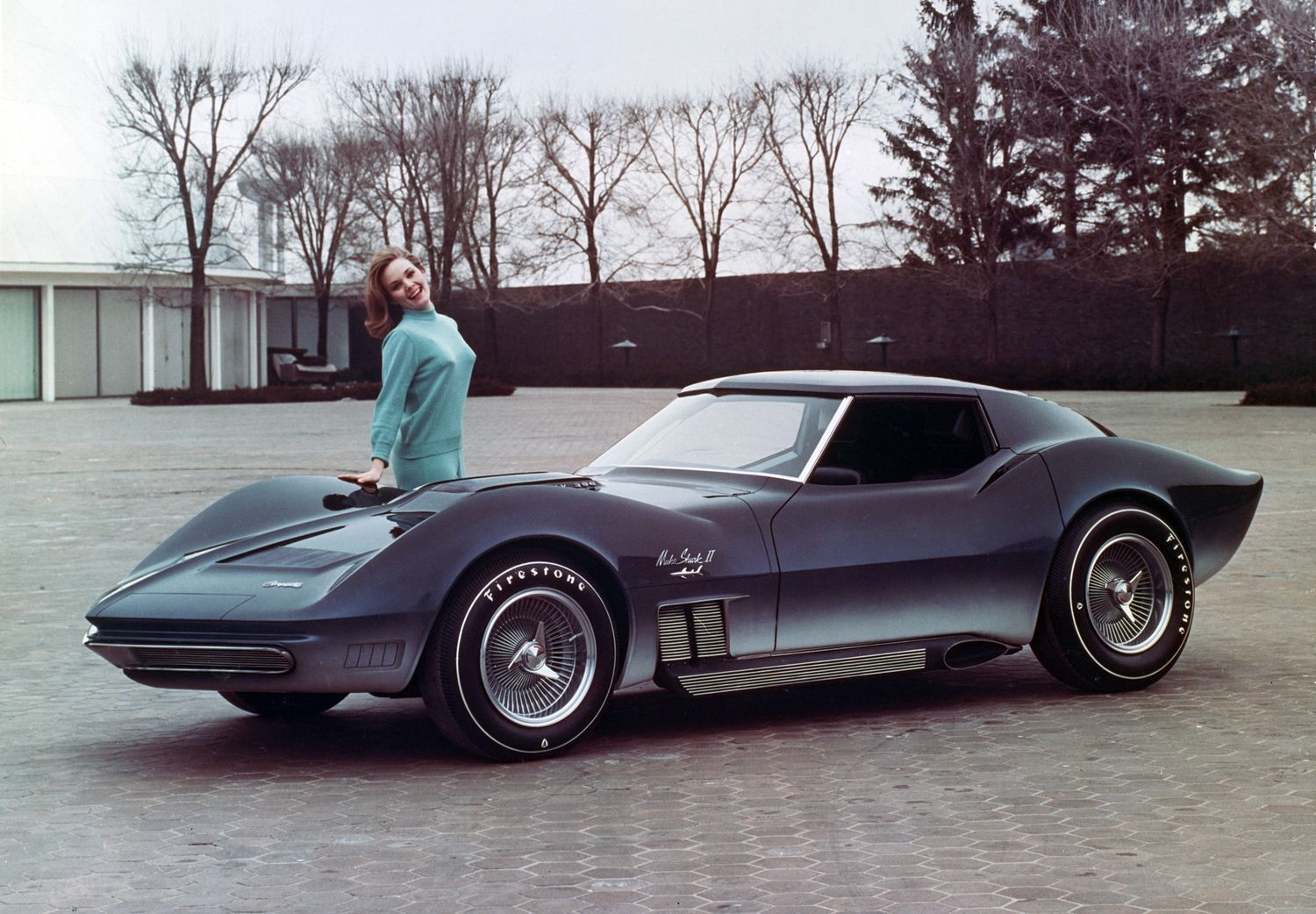 classic youtube meeting the 1965 mako shark ii the preview of the c3 corvette. Black Bedroom Furniture Sets. Home Design Ideas