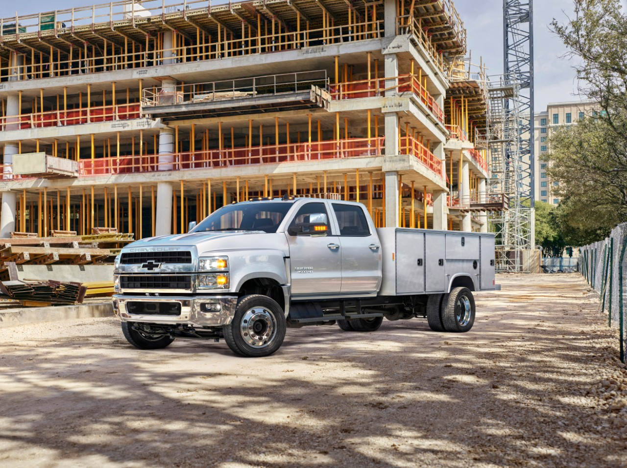 Big News: Chevrolet Steps Back Into The Medium Duty Truck Market – Did Not See That One Coming!