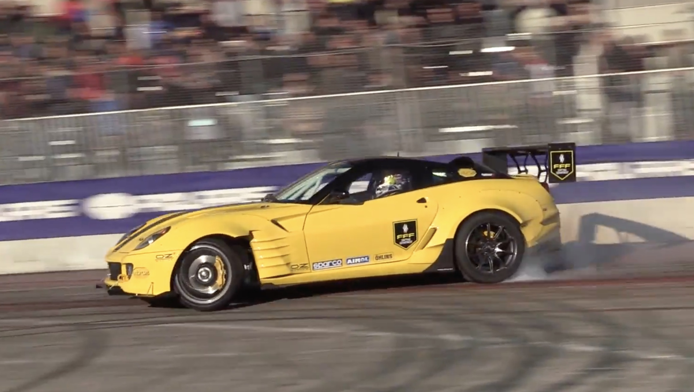 Morning Symphony: Now THIS Is How An Italian Is Supposed To Sing! Listen To This Twin-Supercharged Ferrari 599 Shriek!