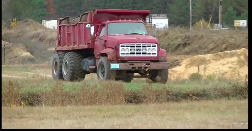 BangShifty Video: Watching This Old GMC 7500 Dump Truck Work Is Mesmerizing