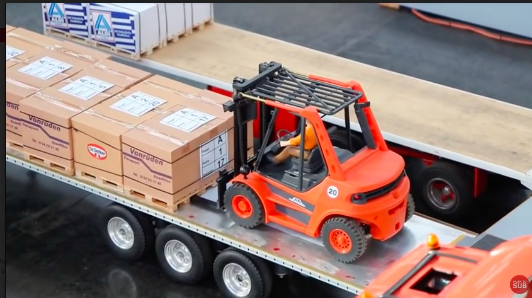Awesome Video: Watch These R/C Trucks And Forklifts Operate A Miniature Warehouse!