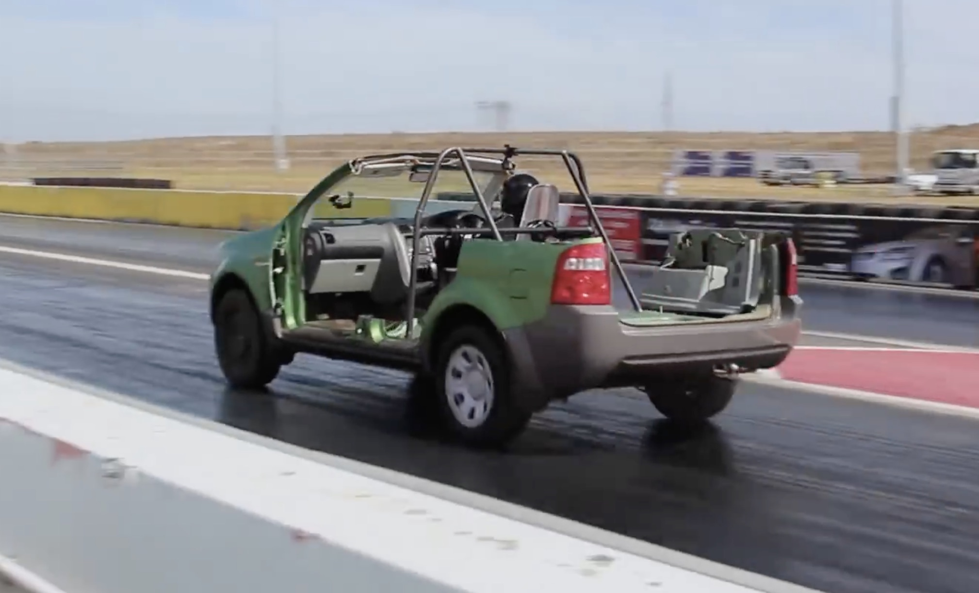 SUV-Hack: The Street Machine Guys Carve Up A Ford Territory In The Name Of Less Weight. Try To Not Cry, Please.