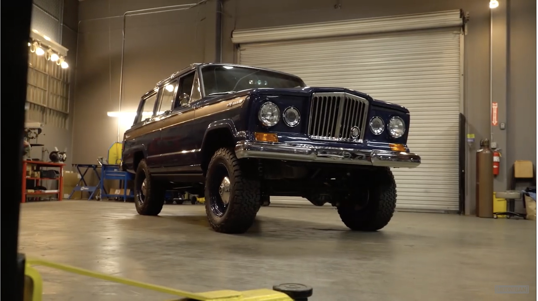 Deep Blue: The Icon Kaiser Wagoneer Reformer Is Dream-Worthy!