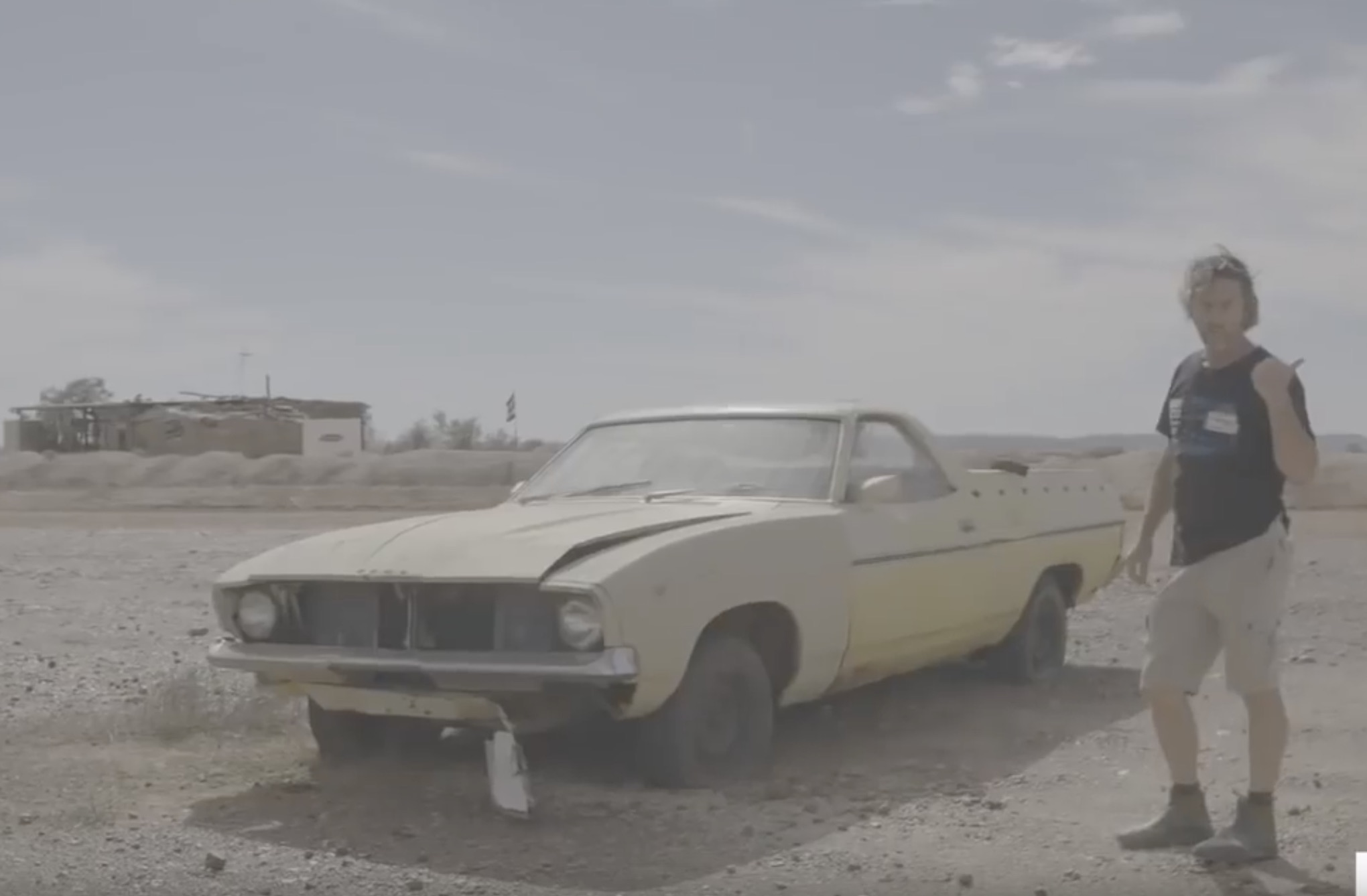 Bleached Bones: Go Dead Car Hunting Around White Cliffs, Australia!