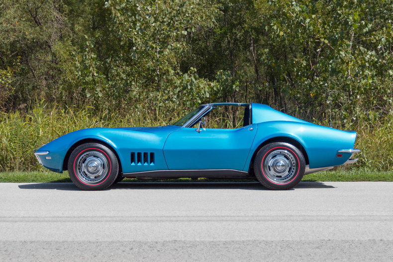 RacingJunk Find: This 1968 Corvette Is A 4-speed, 427ci, Tri-Power Equipped Blue Beast