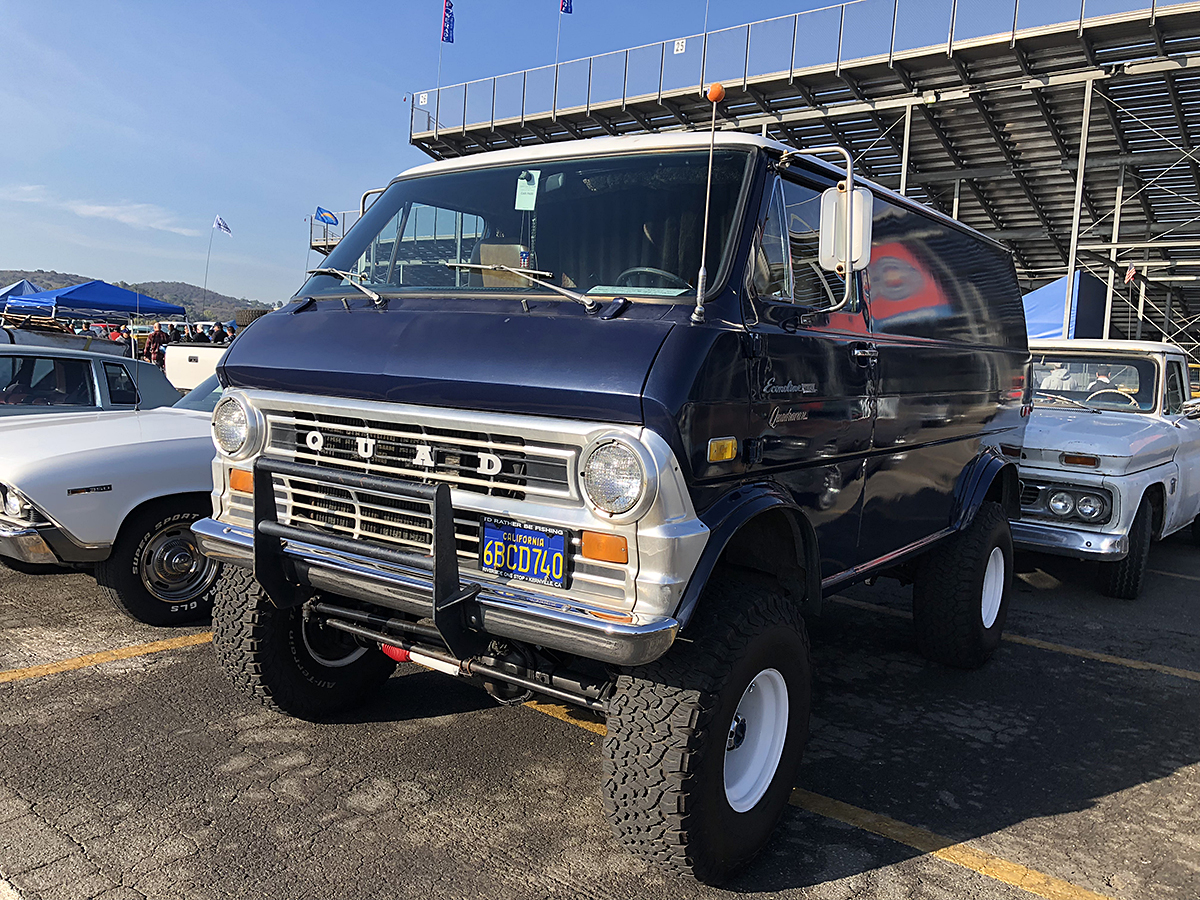 Final Pomona Swap Meet Of 2018: Happiness In Every Direction