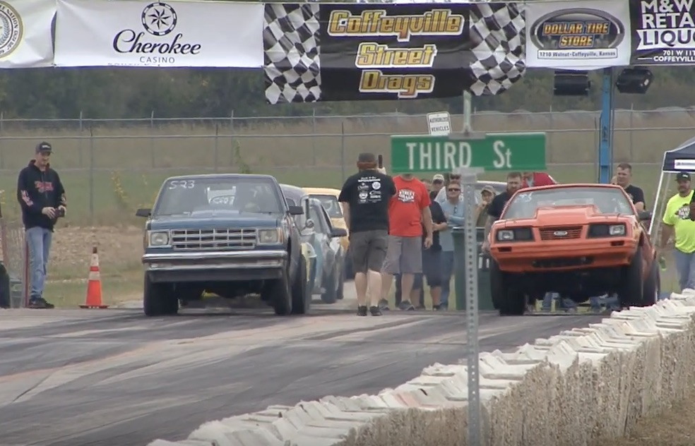 Morning Symphony: Coffeyville Street Drags Action – Legal Meet-Ups On The Street!