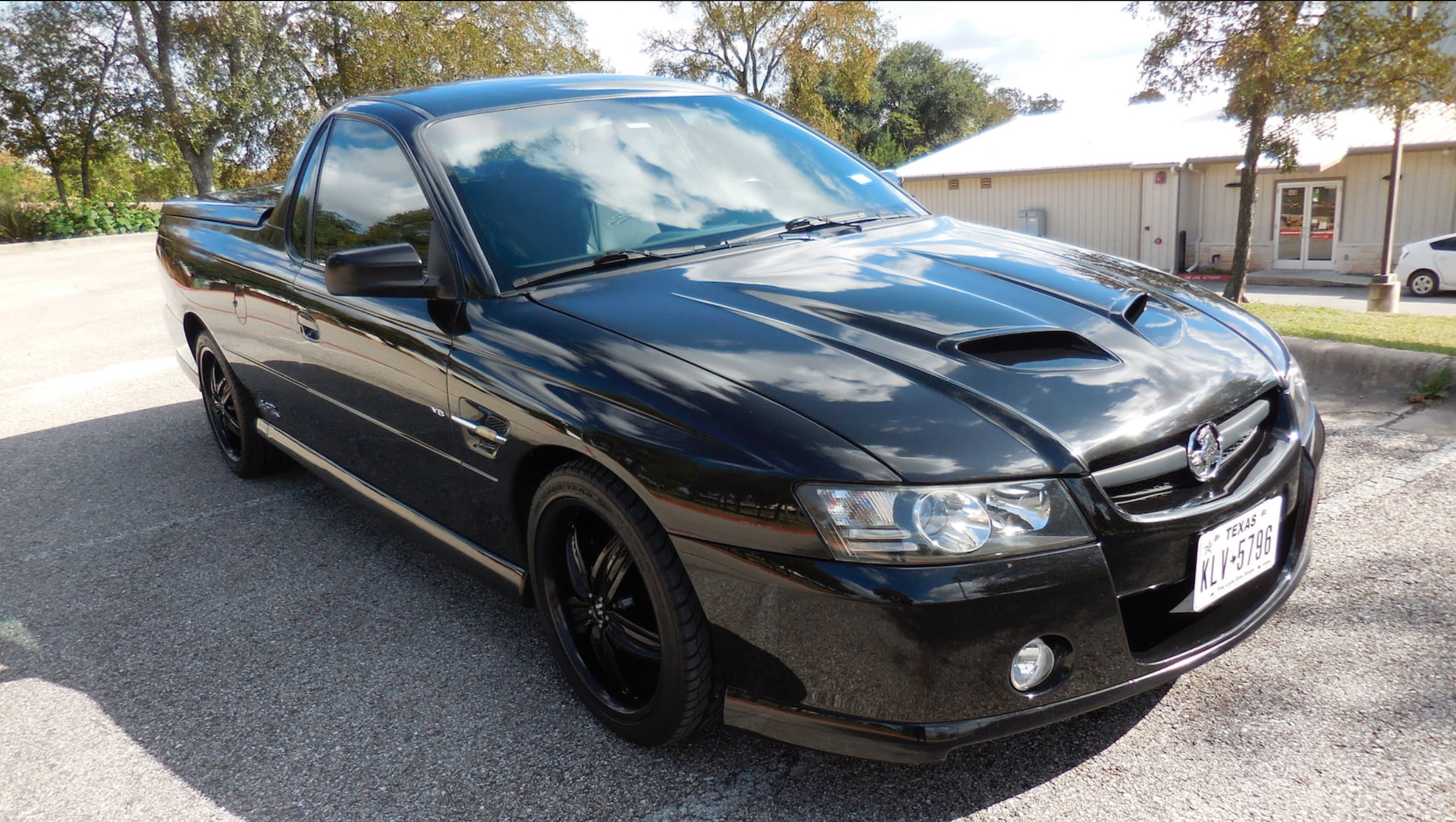 Got Ute Fever? Here's Your Chance To Own A 2005 Holden Ute That's Texas Legal (At Least)