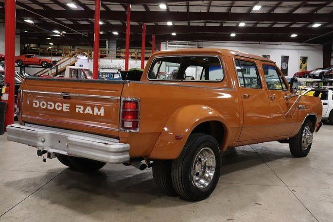 Bangshift Com Tow Pig Greatness This Phantom Dodge Crew