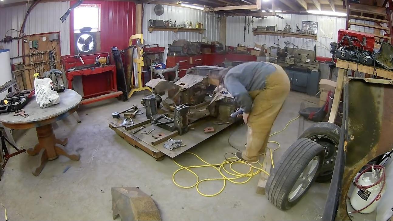 The SRT-4 Powered MG Midget: Suspension Design And Engine Mockup