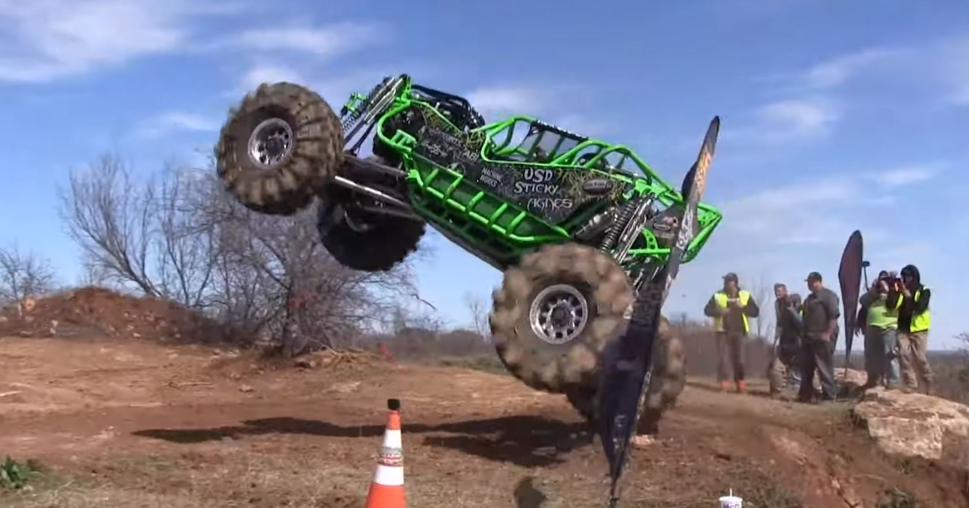 High Flying Rock Bouncers Take On The Dirt Hill Climb At The Southern Rock Race