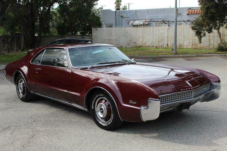 Money No Object: This 1967 Oldsmobile Toronado Just Oozes Class!