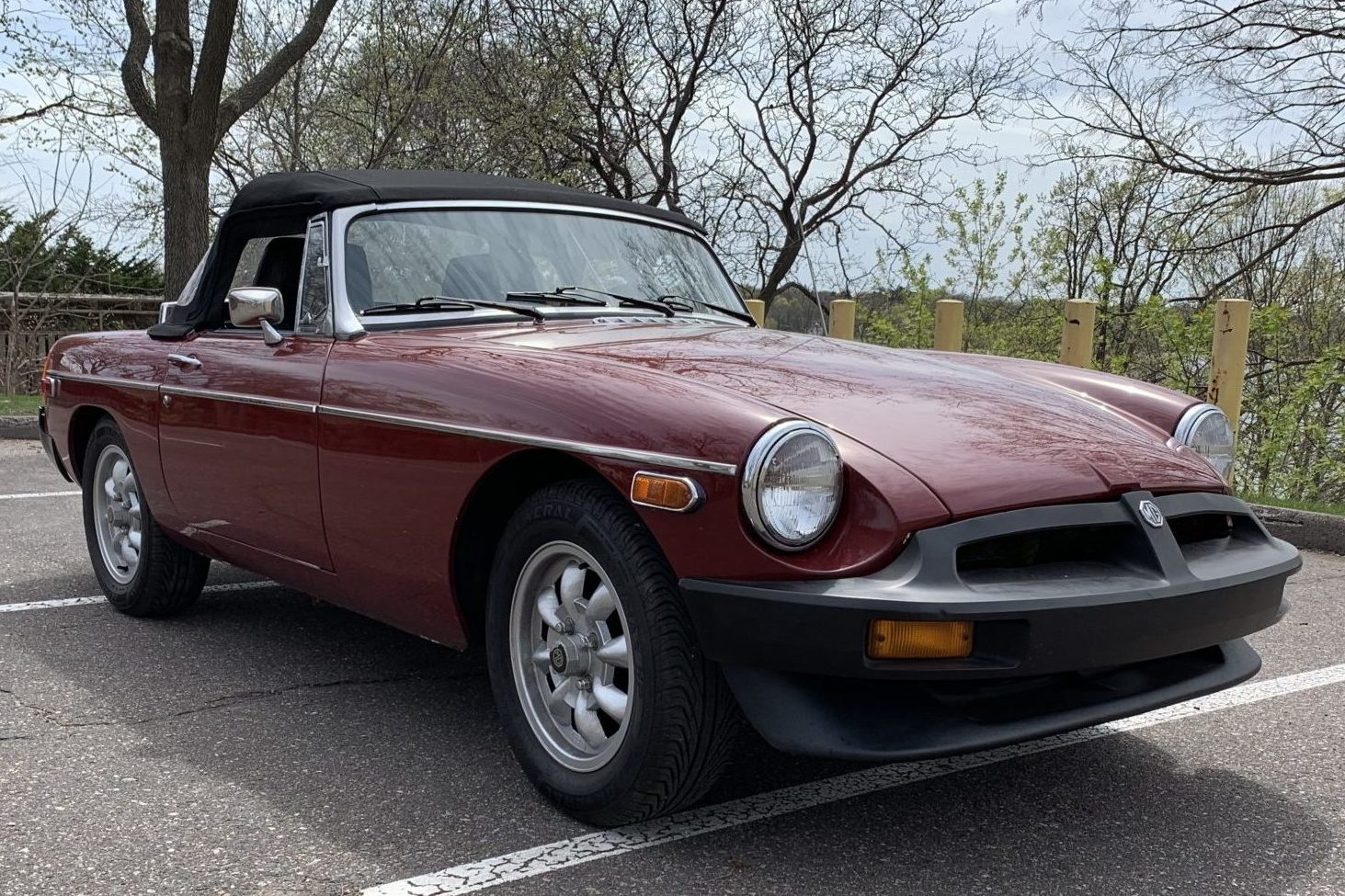 Sporting Little Thing: A GM V6-Powered 1977 MGB Roadster For Open-Air Types