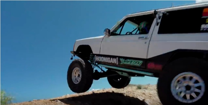 Sport-Utility Scrap: The Build & Battle Rigs Finally Go Head-To-Head In The California Desert!