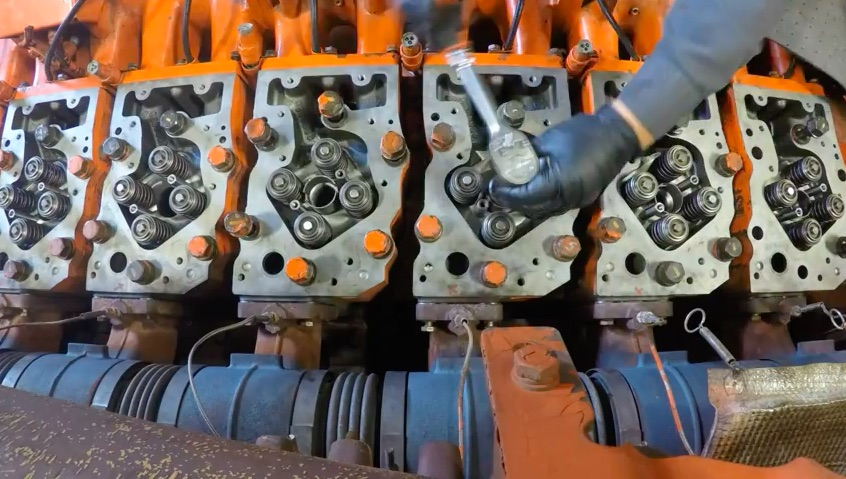 Watch A Massive 16-Cylinder Waukesha Engine Get Its Top End Overhauled In Time Lapse!