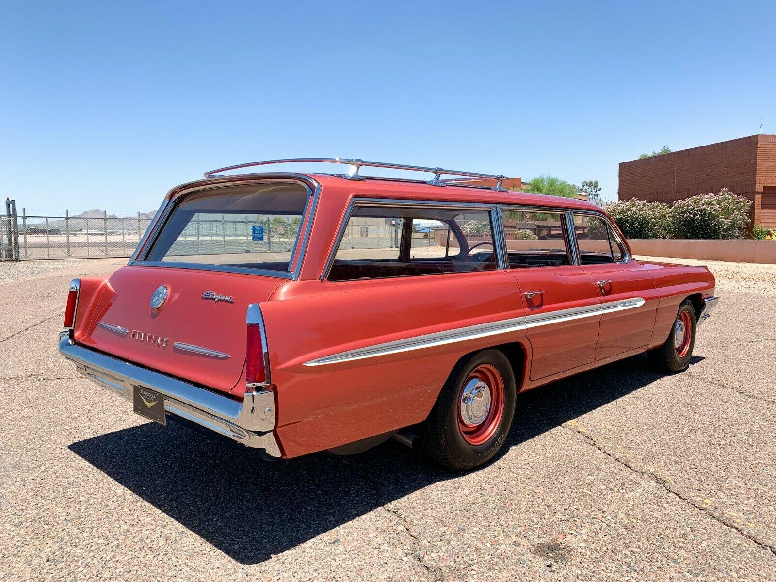 Money No Object: 1961 Pontiac Catalina Safari with 389 Tri-Power