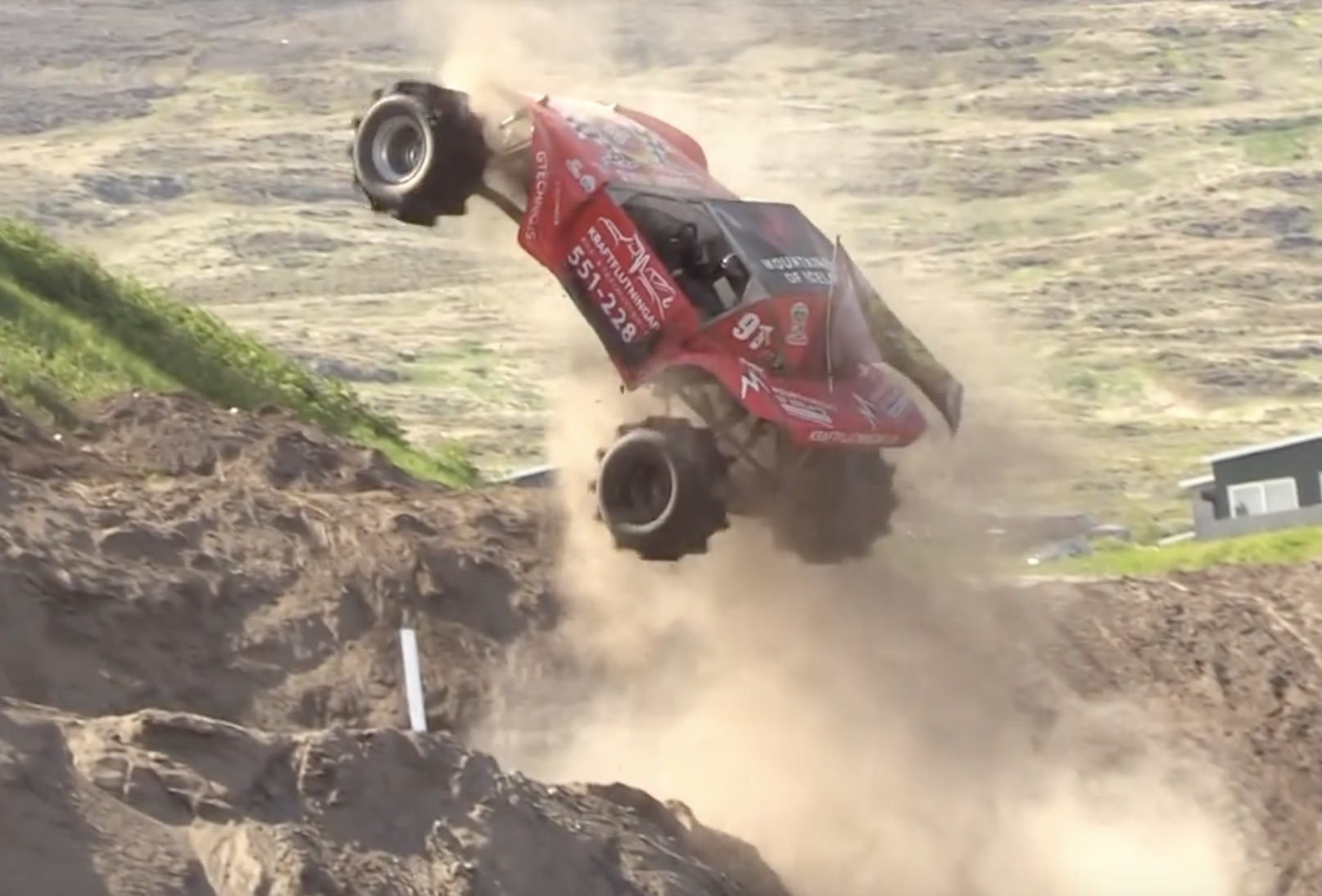 Formula Offroad Footage: Throwing The Dirt And The Trucks Into The Air!