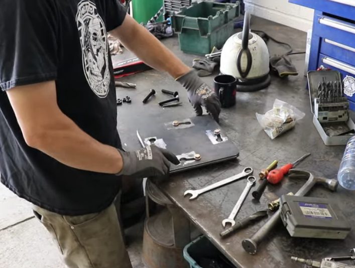 Great Idea!!! This Quick Release Plate Makes Akward Tools Moveable In The Shop