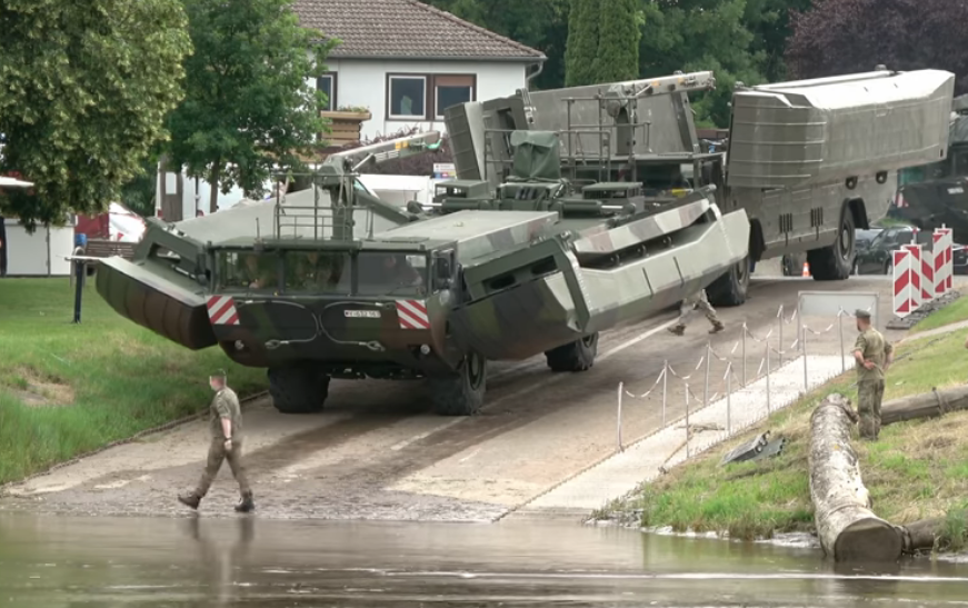 These M3 Amphibious Bridge Vehicles Are Awesome! They Go Anywhere And Let Everyone Else Go Wherever Too!