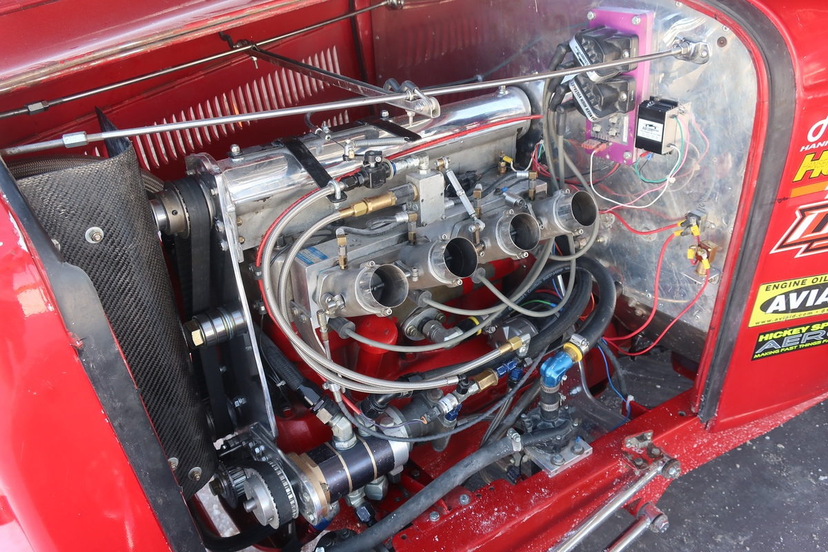 Bonneville Speed Week 2019: Idle Engines On The Bonneville Salt Flats