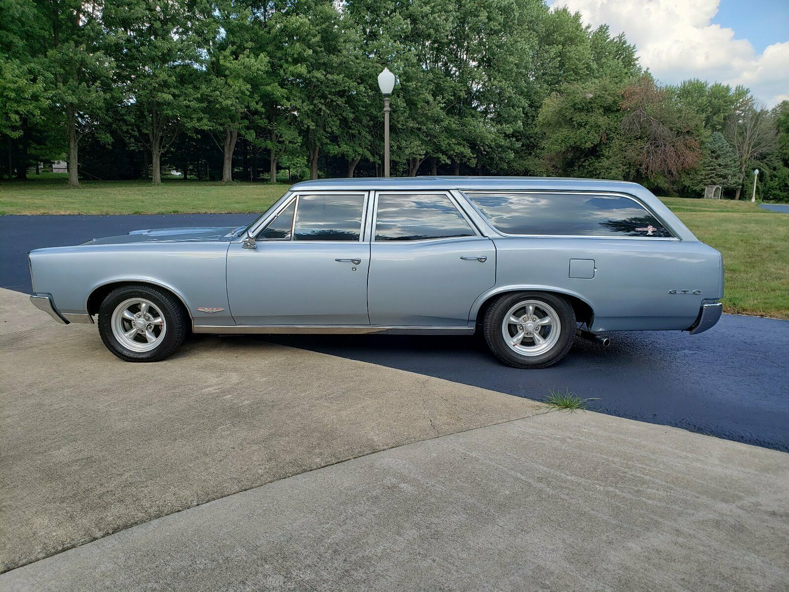 eBay: This 1967 Pontiac LeMans Station Wagon Is A Well-Cubed Cruiser