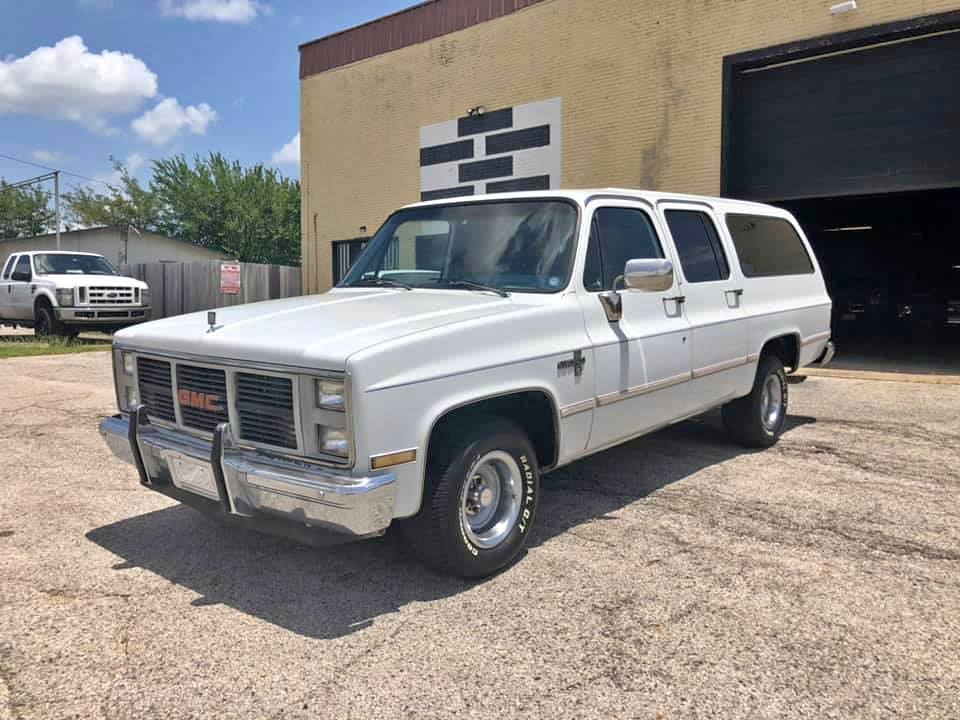 This Square Body Suburban Is Near Mint And Would Make The Ultimate Family Cruiser And Tow Pig