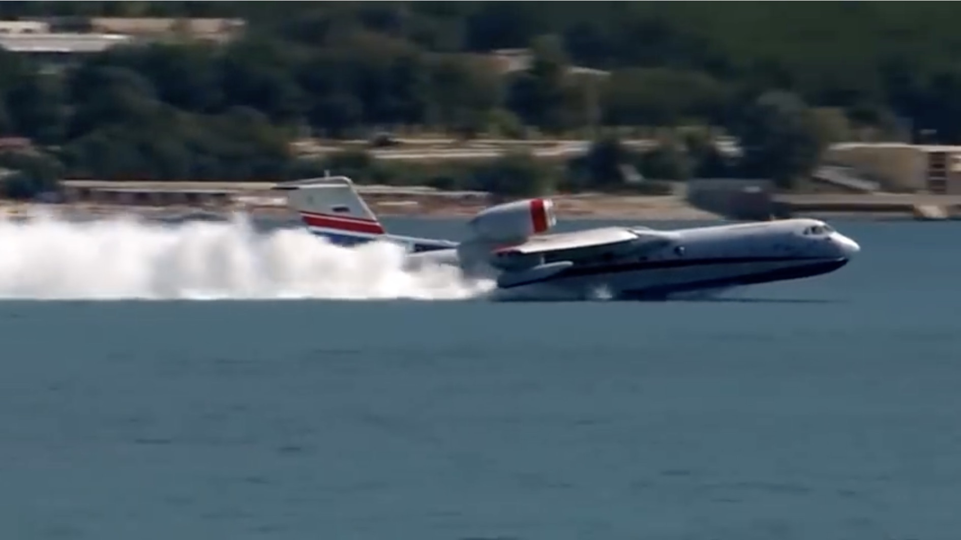 It's A Boat, It's A Plane: The Beriev Be-200 In Action!