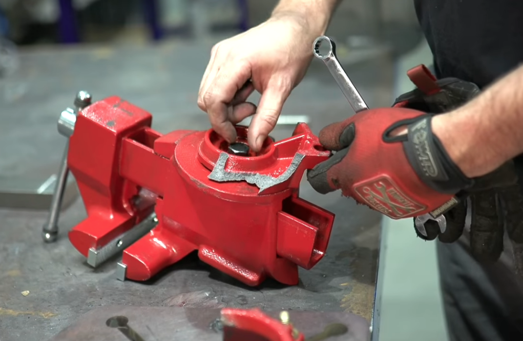 The Ultimate Vise Torture Test: Old VS New, Import VS Domestic, Which Bench Vise Does It All And Lives?