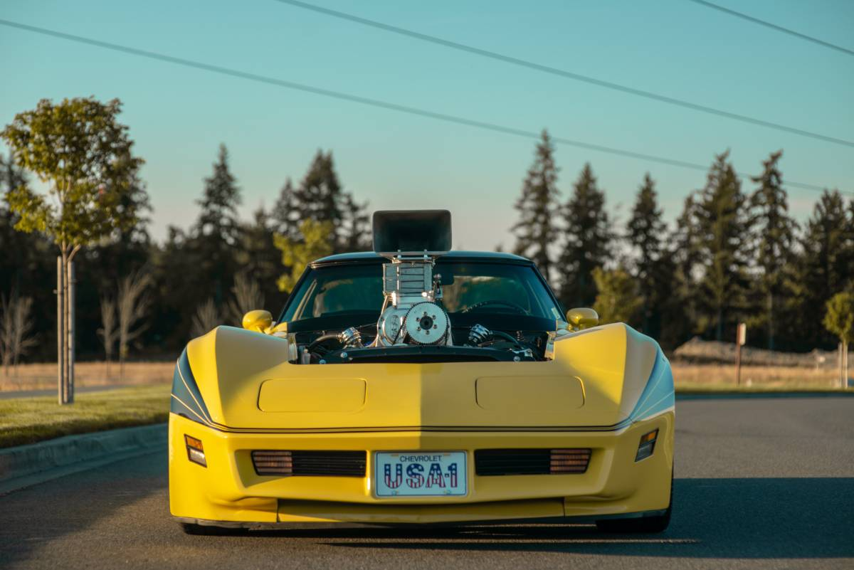 Ridiculousness: This 1977 Corvette Has A Greenwood Body, A Blown Big Block, Predator Carbs, and Our Heart! We're In Love!