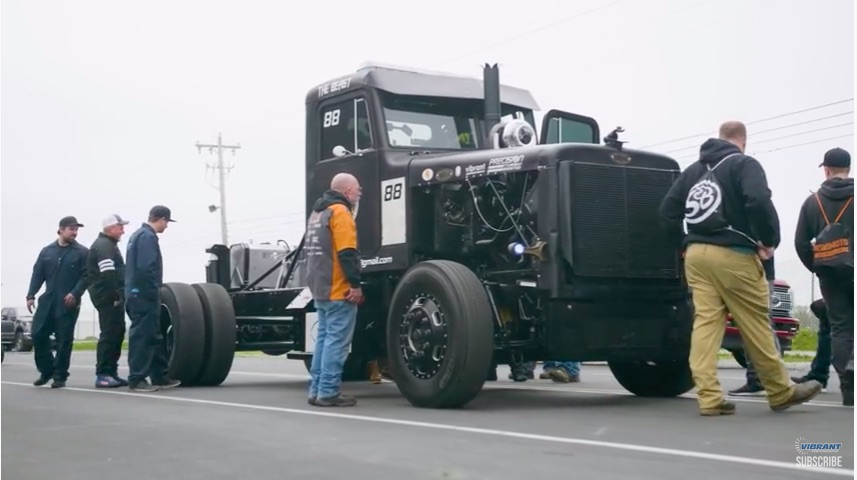 Canadian Largess: This 1988 Peterbilt 379 Has A 4,000hp Compound Turbocharged C15 Caterpillar In It!