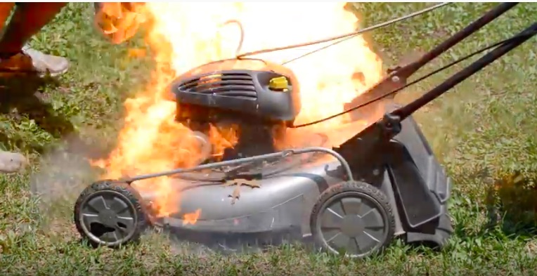 Video: Do Not Mourn The Death Of This Lawnmower Engine, Celebrate It