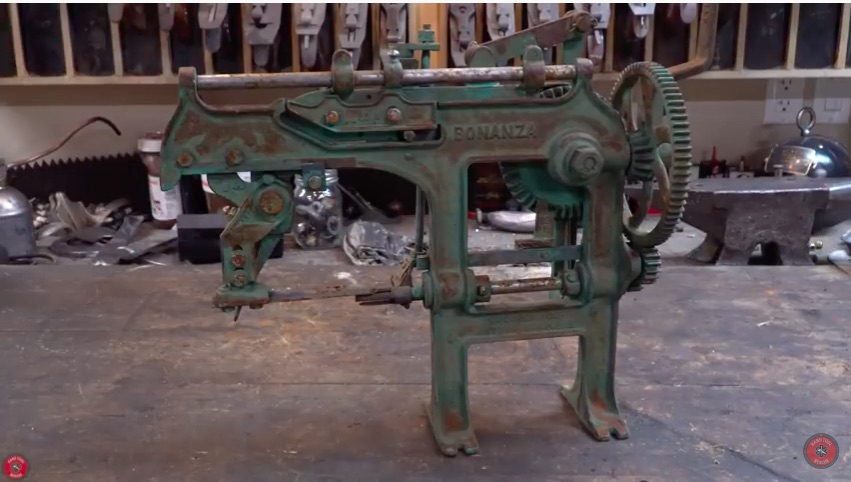 Brilliant Machine: Watch This 1890s Era Apple Peeler Get Restored And Used! Cool Stuff!