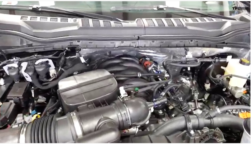 Godzilla or Not: This Video Shows A New 7.3L Gas Super Duty Ford On The Chassis Dyno Along With A 6.2L Truck