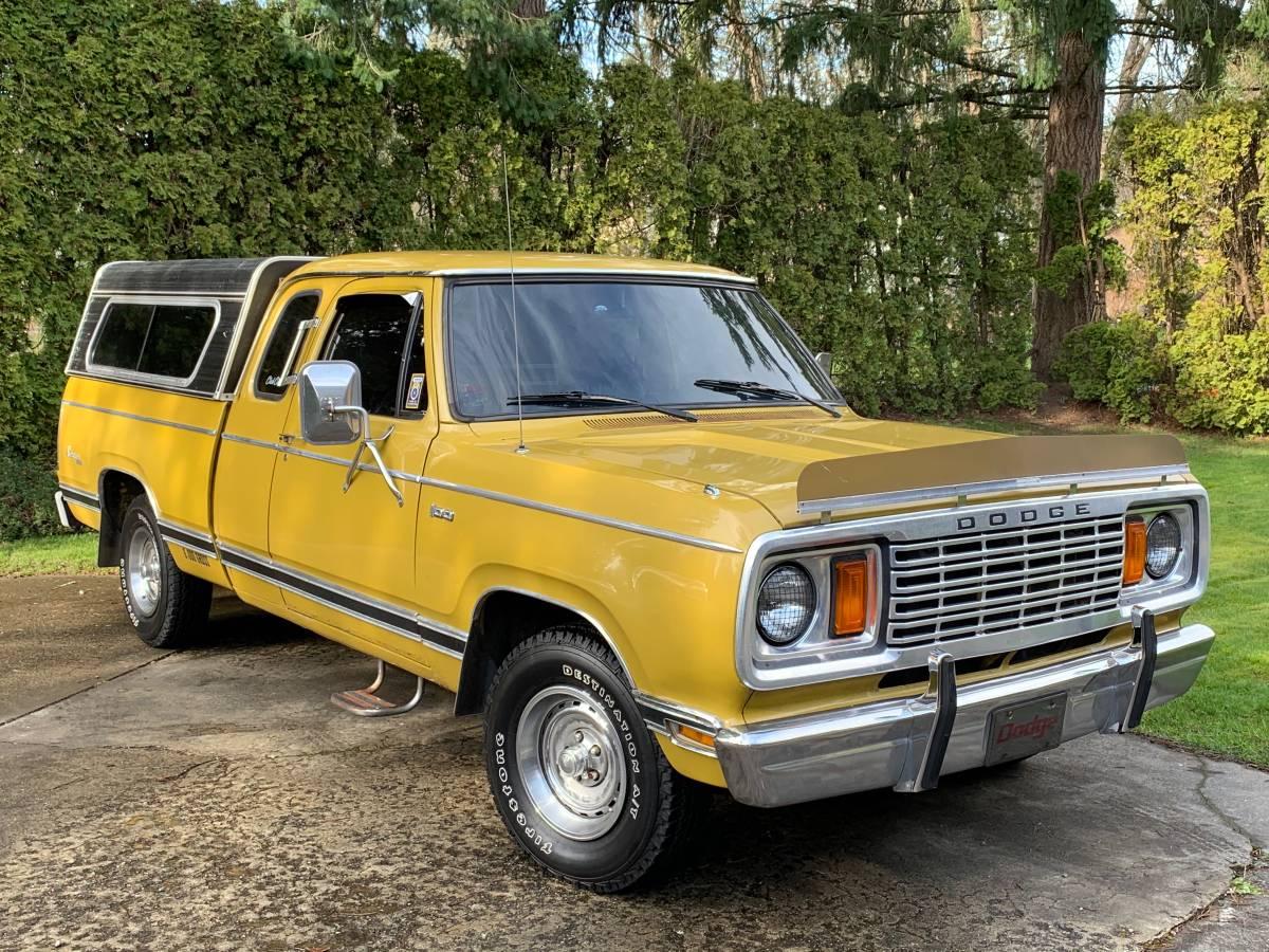 Rough Start: 1977 Dodge D100 – That Classic Bug Deflector Makes It!