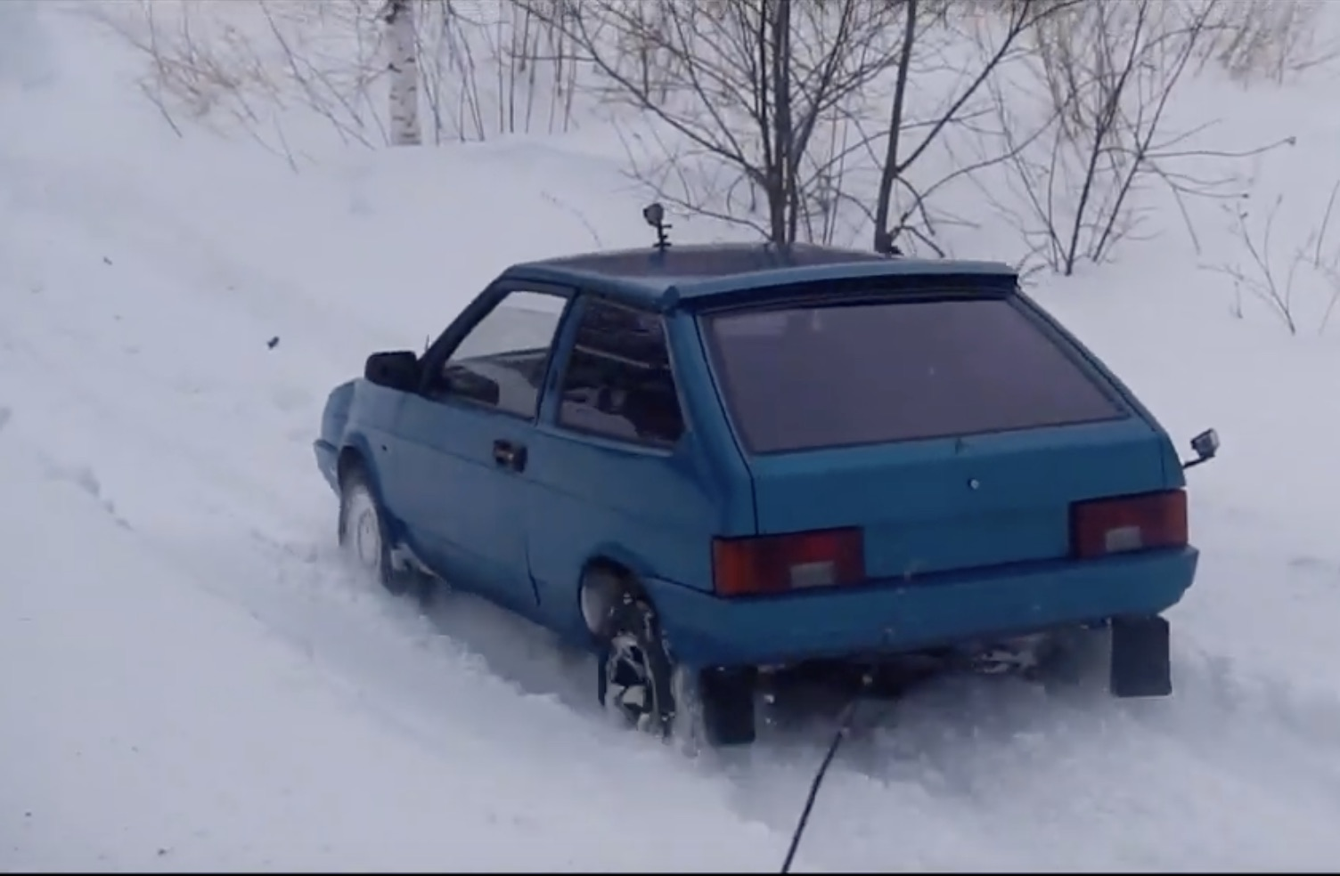 Homegrown Outback: Converting A Lada To All-Wheel-Drive The Gearhead Way!